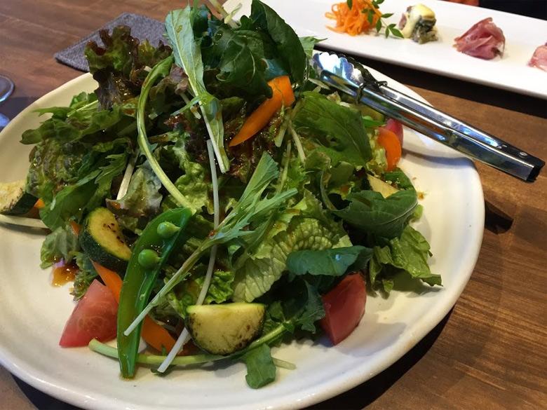 migitohidari サラダ