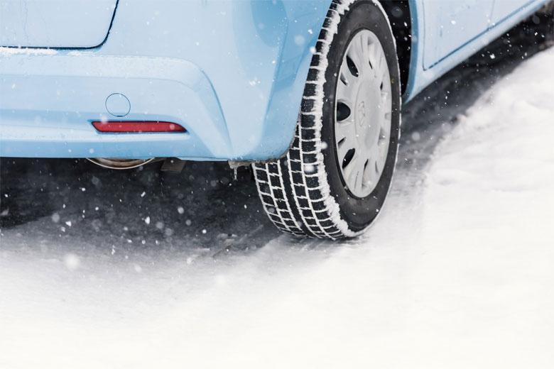 雪道での車の注意
