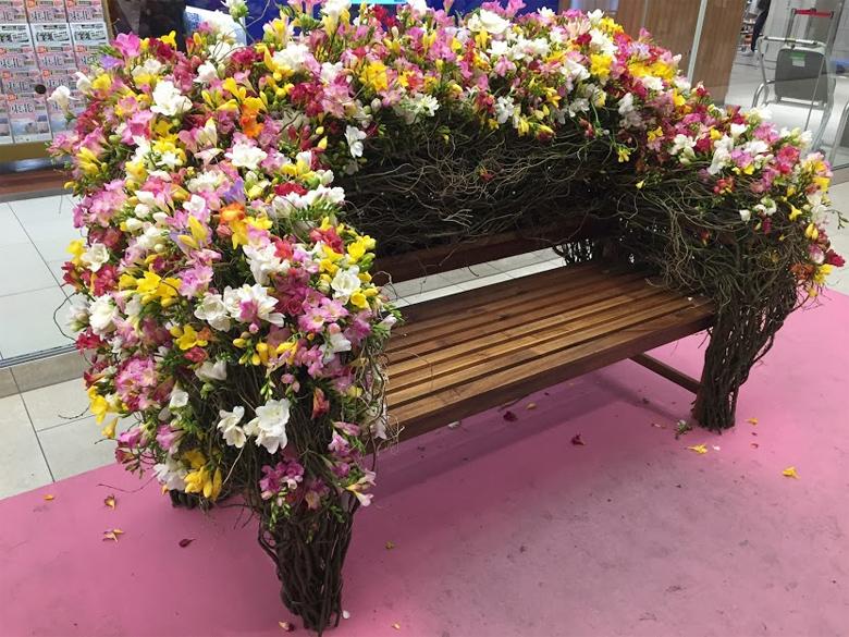 エアリーフローラのベンチ