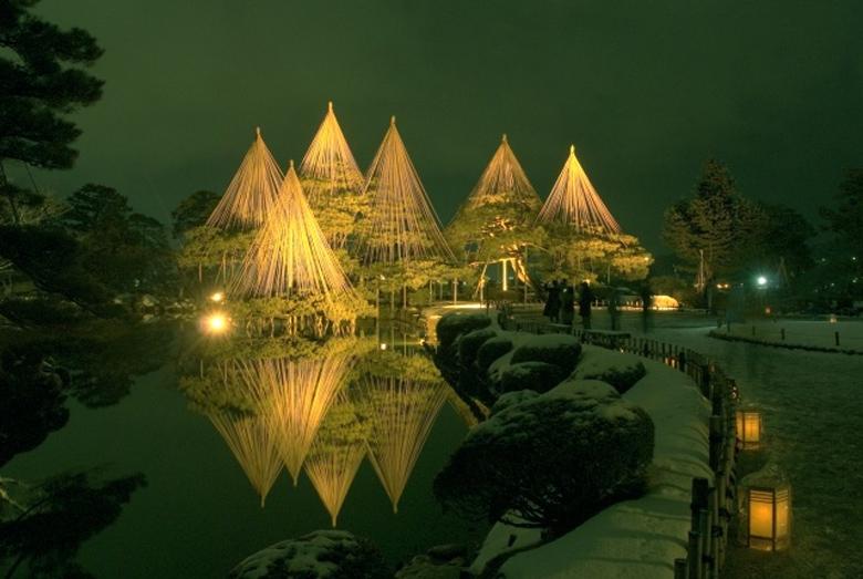 兼六園 ライトアップ 夜景