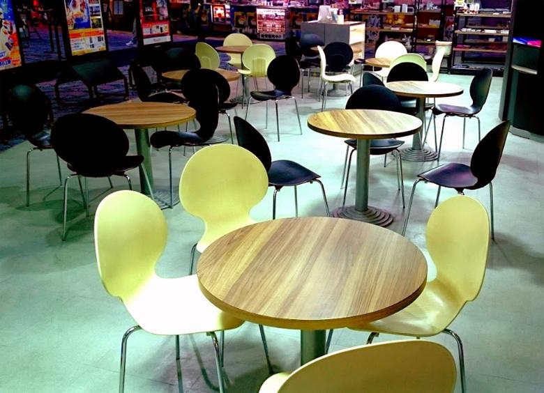 ユナイテッドシネマ テーブル席