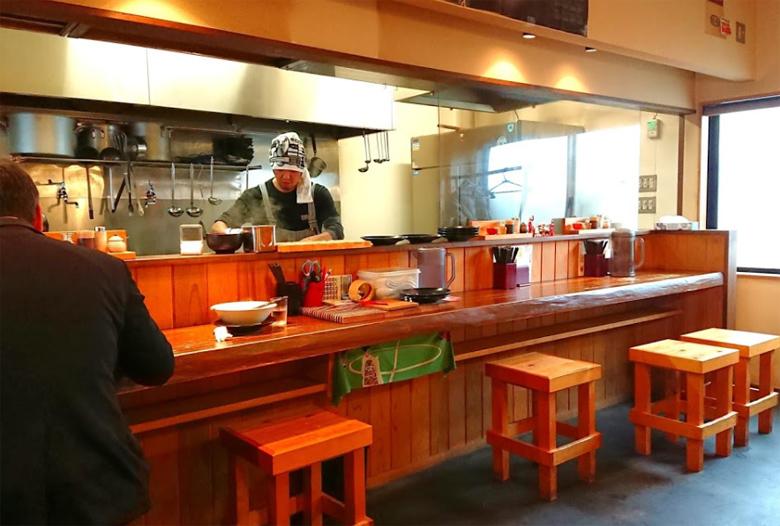 客野製麺所 カウンター